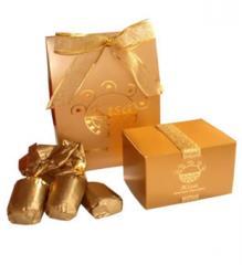 Caramelos en cajas de regalos