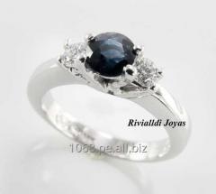 Pomolvochny ring with sapphire