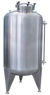 Pedido Fabricación de tanques de almacenamiento verticales