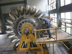 Grinding of base surfaces of machine tools