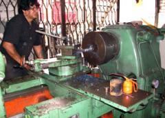 Instalación y reparación de bombas y compresores